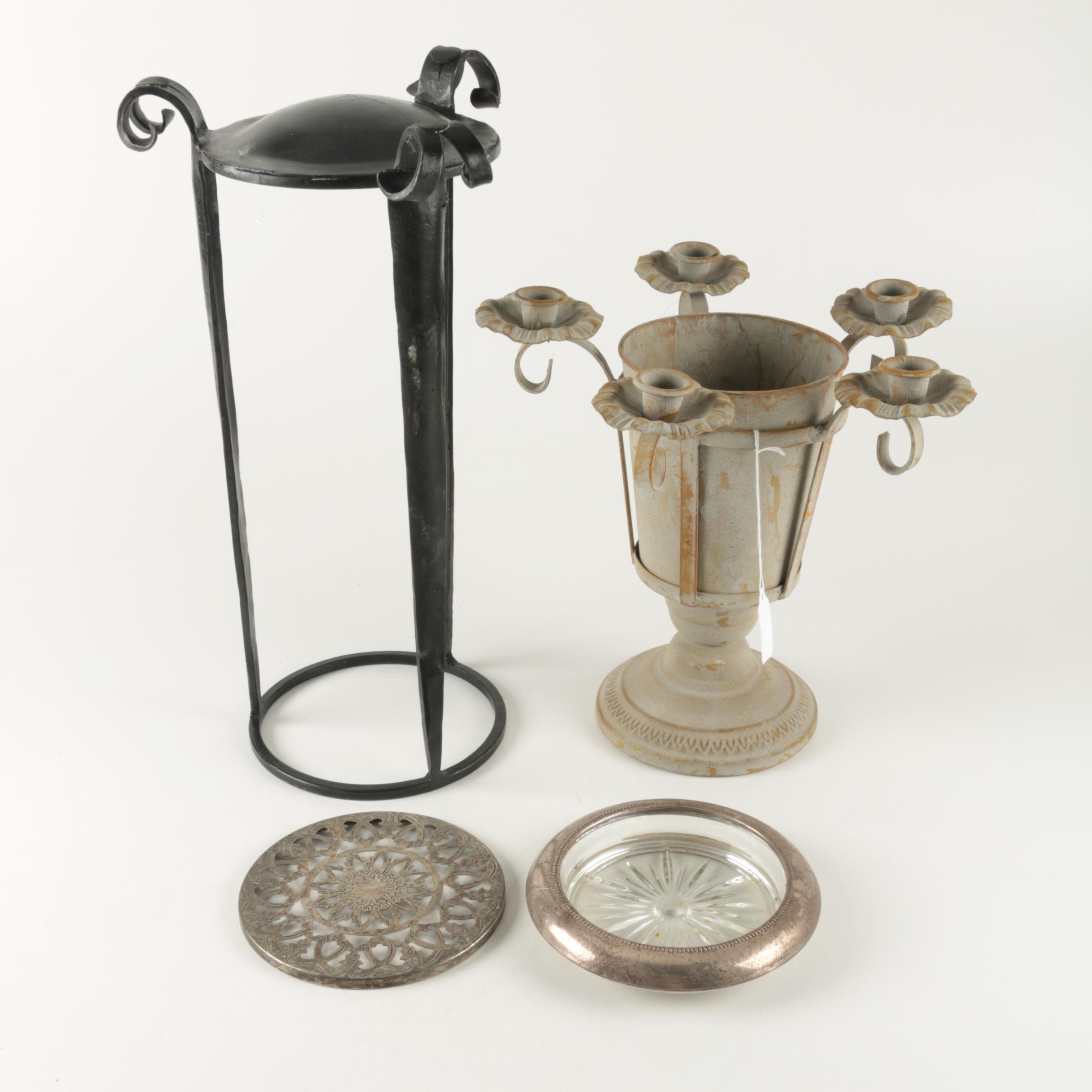 Assortment of Table Décor
