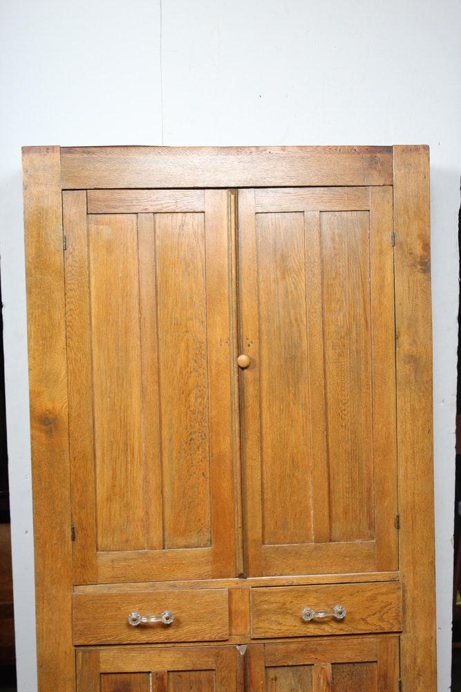 Antique Craftsman Oak Linen Press