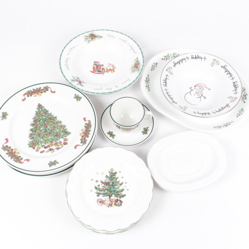 "Johnson Brothers ""Victorian Christmas"" Dinner Plates"