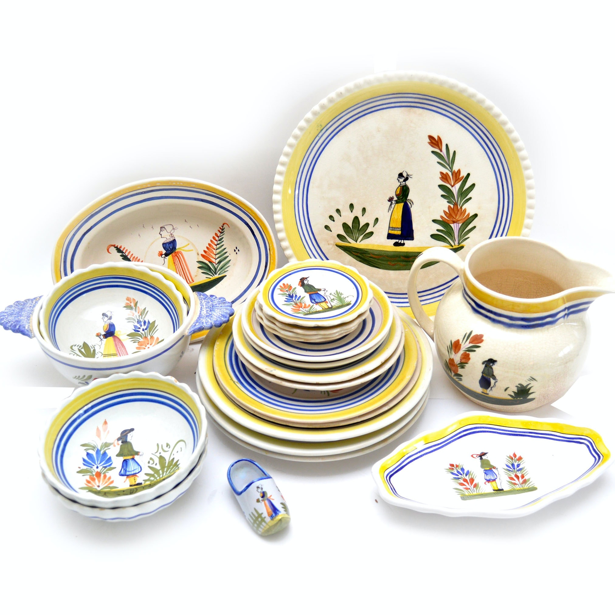 Henriot Quimper Hand-Painted French Tableware  sc 1 st  EBTH.com & Pottery Auctions | Fine Art Pottery | Vintage Pottery for Sale in ...