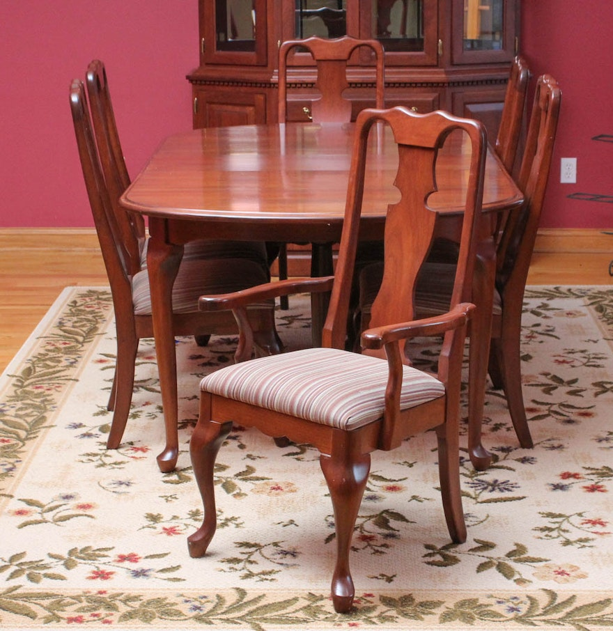 Queen Anne Style Cherry Dining Table and Chairs by Berlin ...