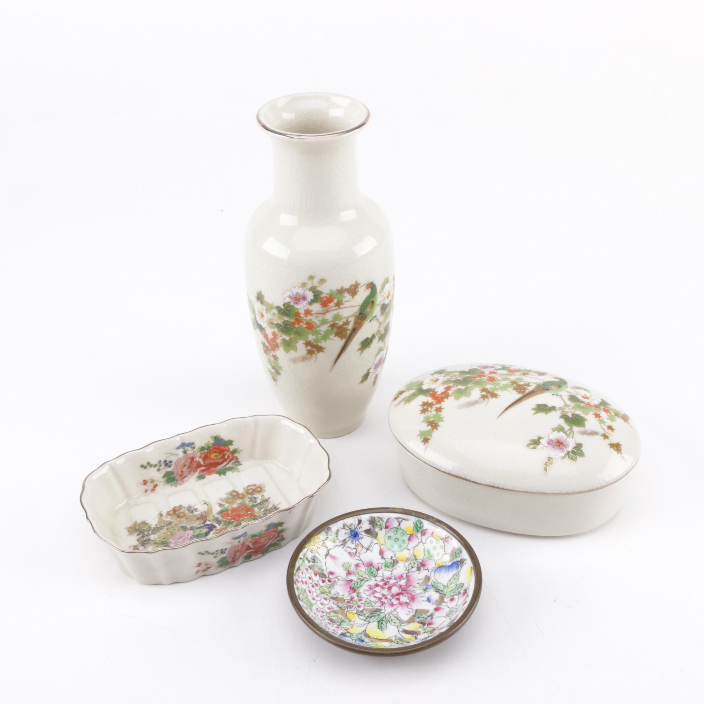 Set of Chinoiserie Ceramic Pieces