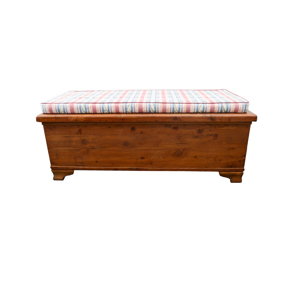 Vintage Cedar Chest with Bench Pillow