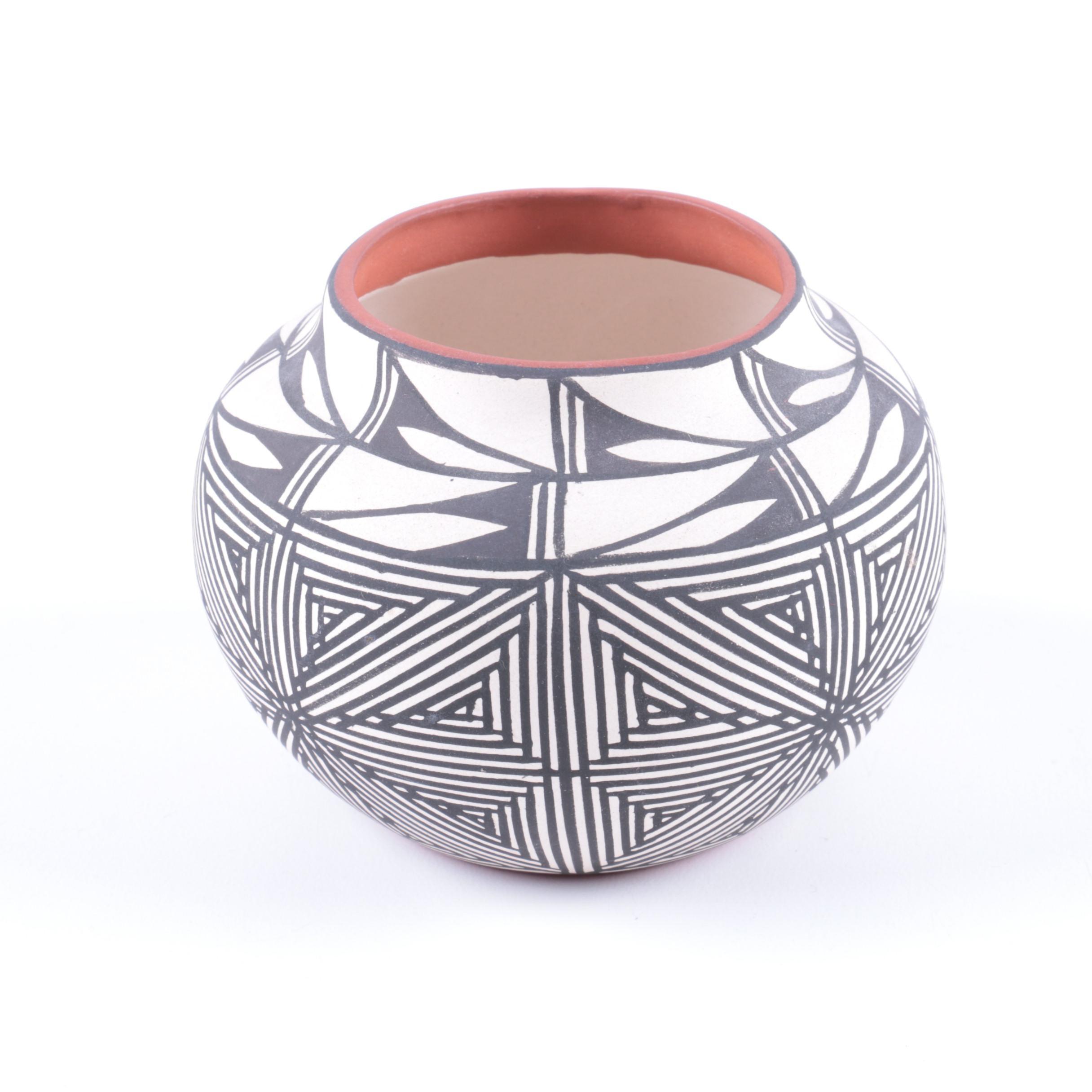 Emmalito Chino Native American Black and White Bowl
