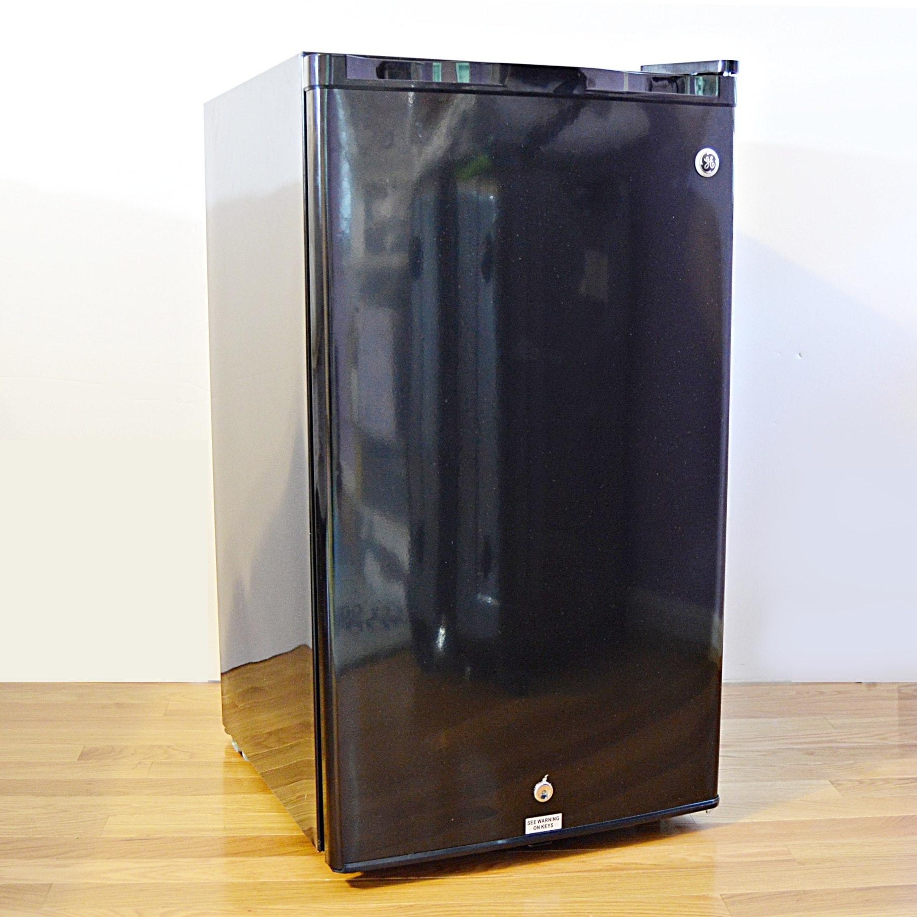 GE Miniature Refrigerator