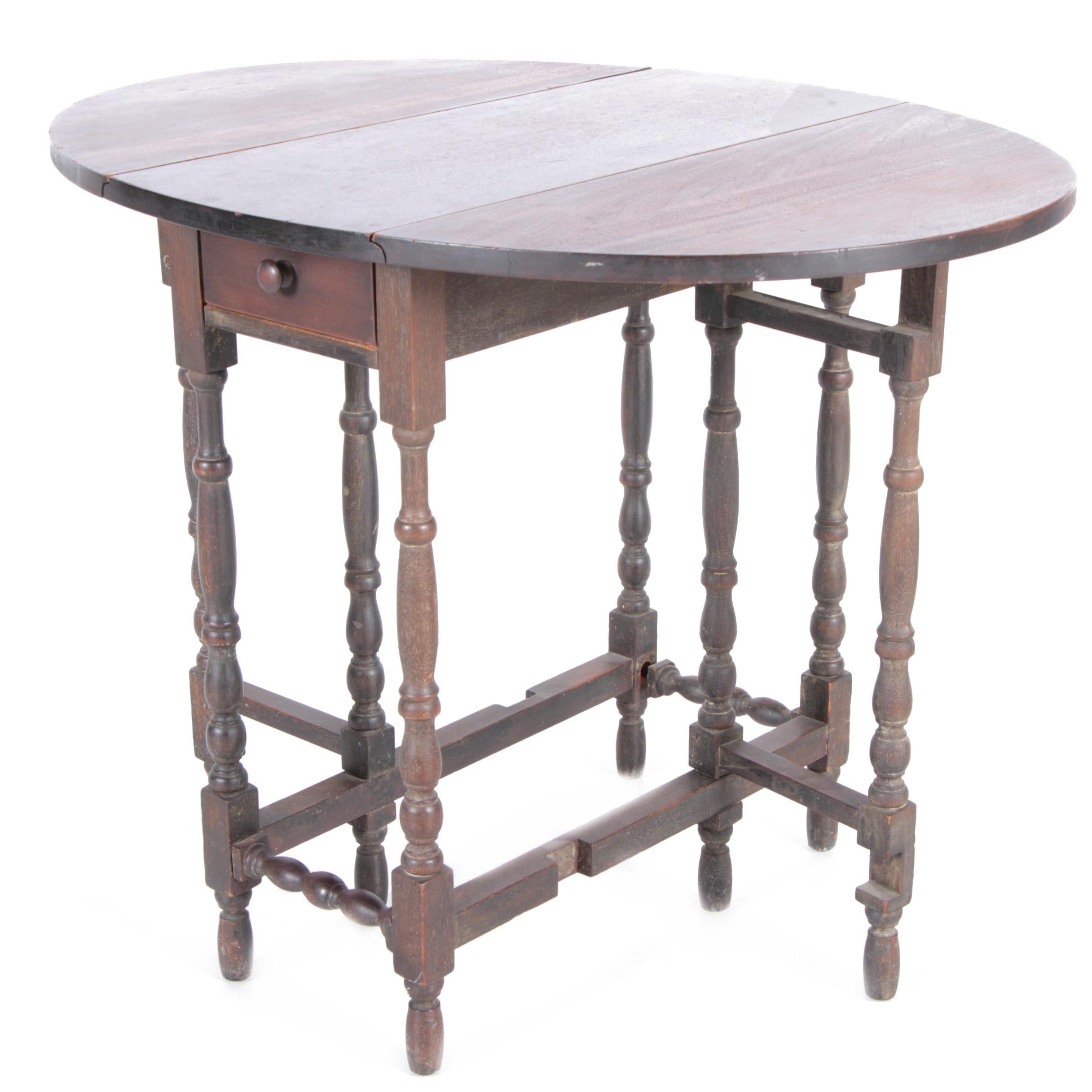 Vintage Mahogany Finished Gate-Leg Side Table