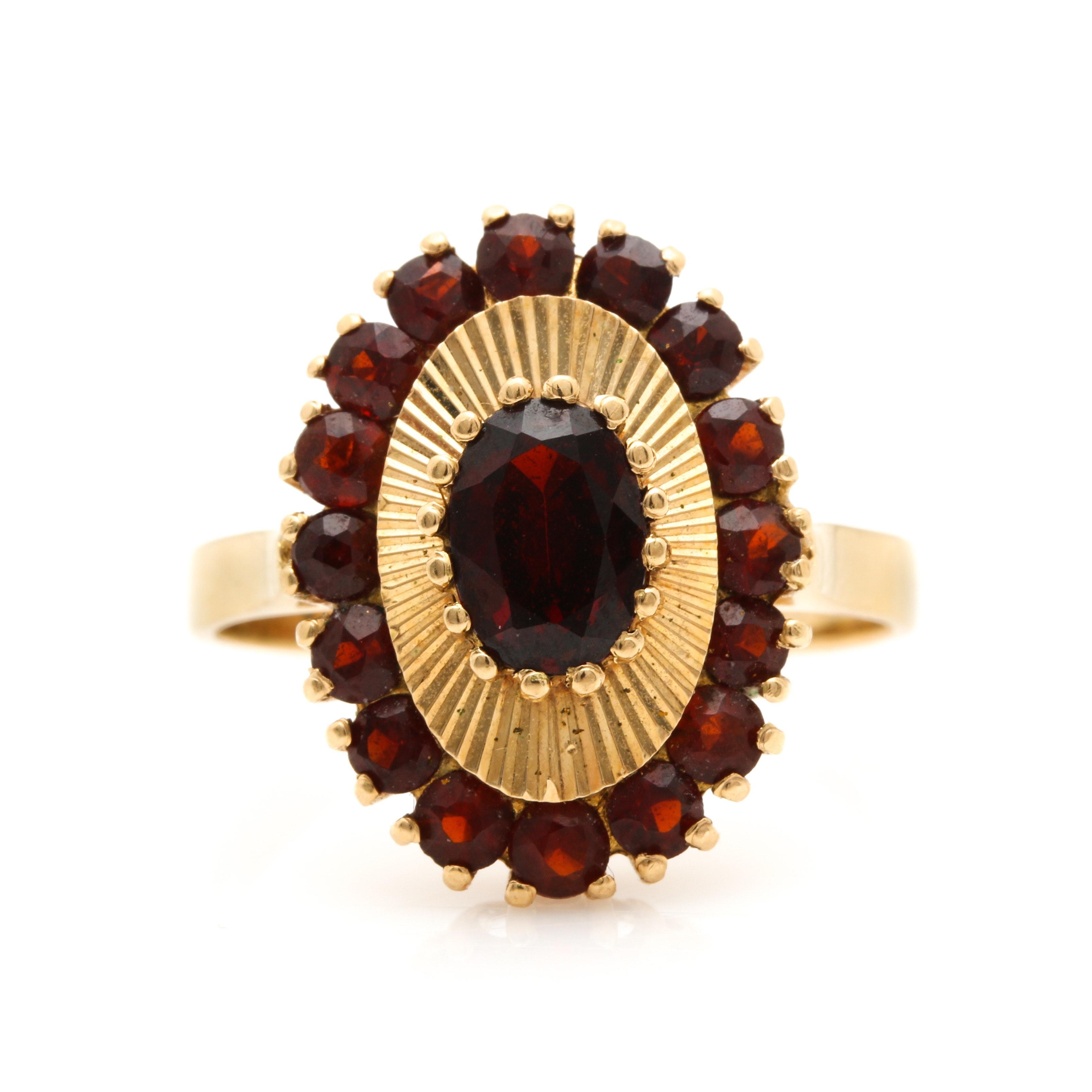 18K Yellow Gold Garnet Ring