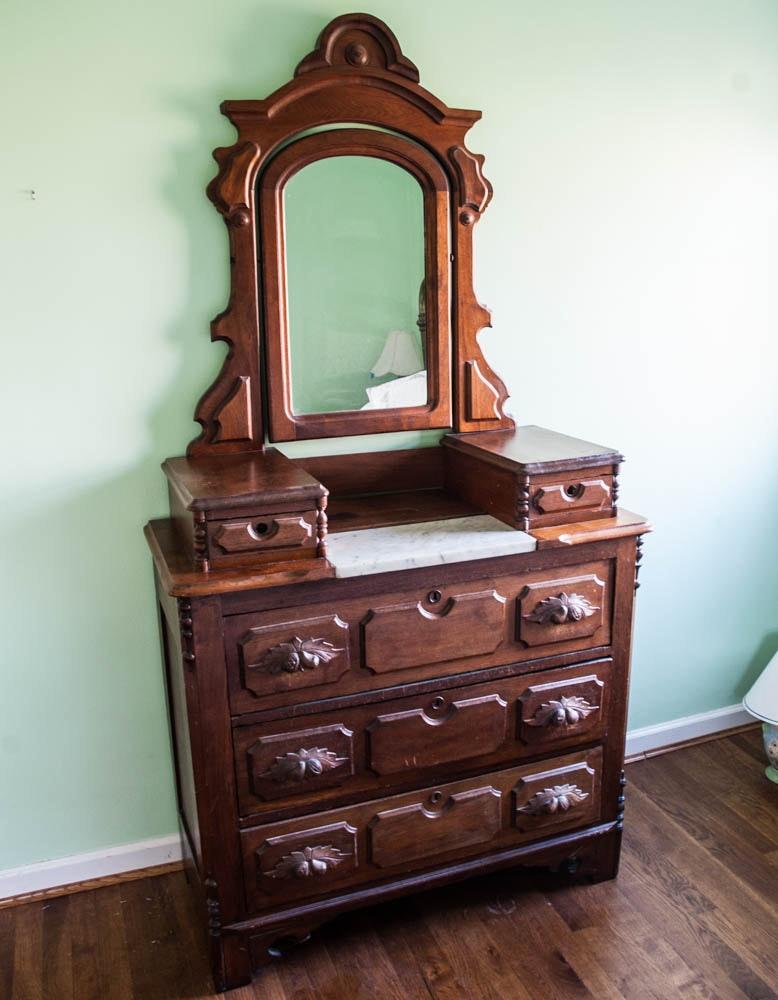 Victorian Mirror Dresser