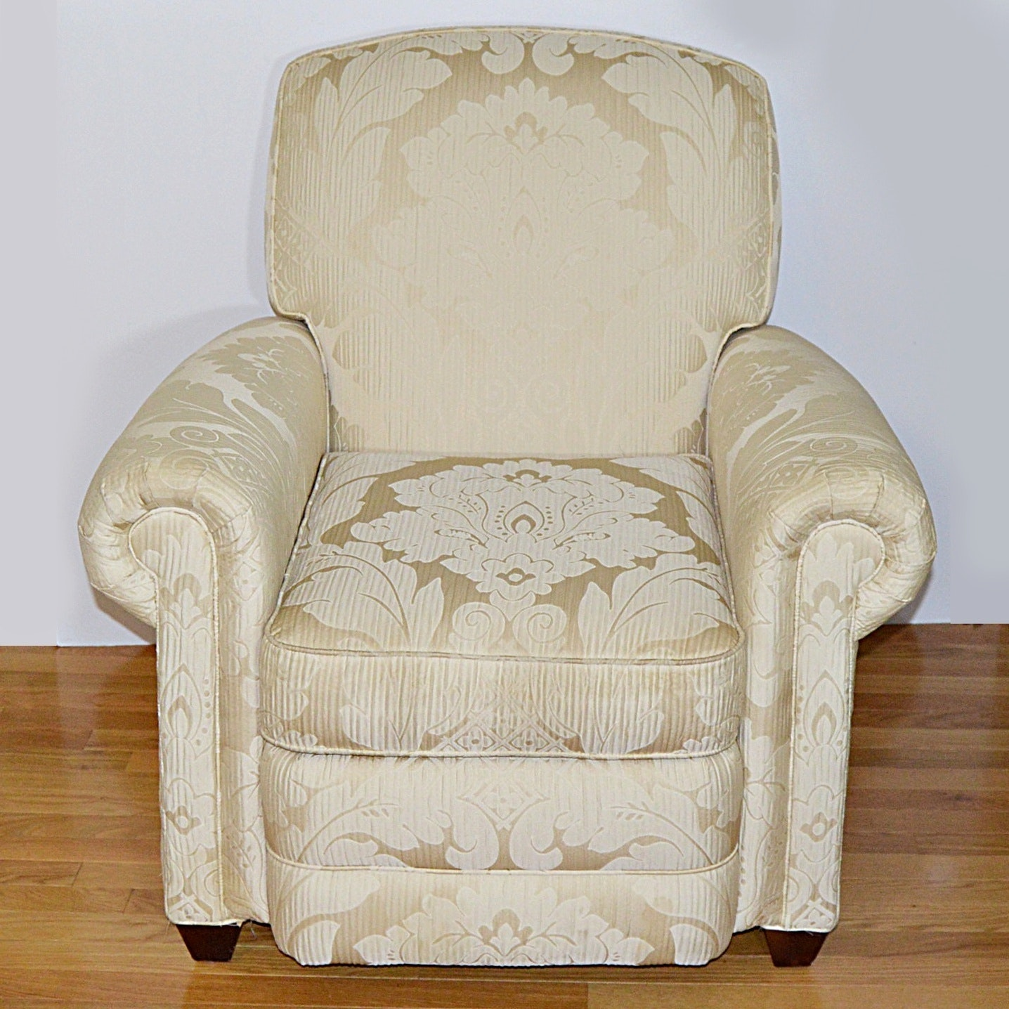 Lee Club Chair Recliner in Cream Damask Upholstery