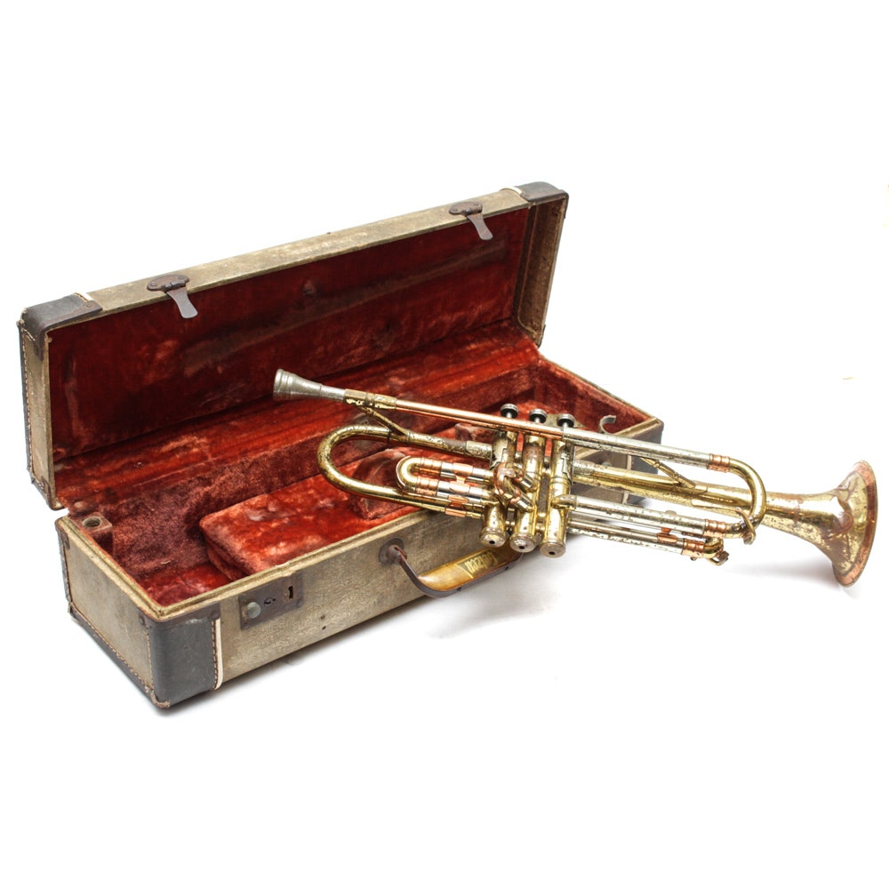 Getzen Super Deluxe Trumpet and Case