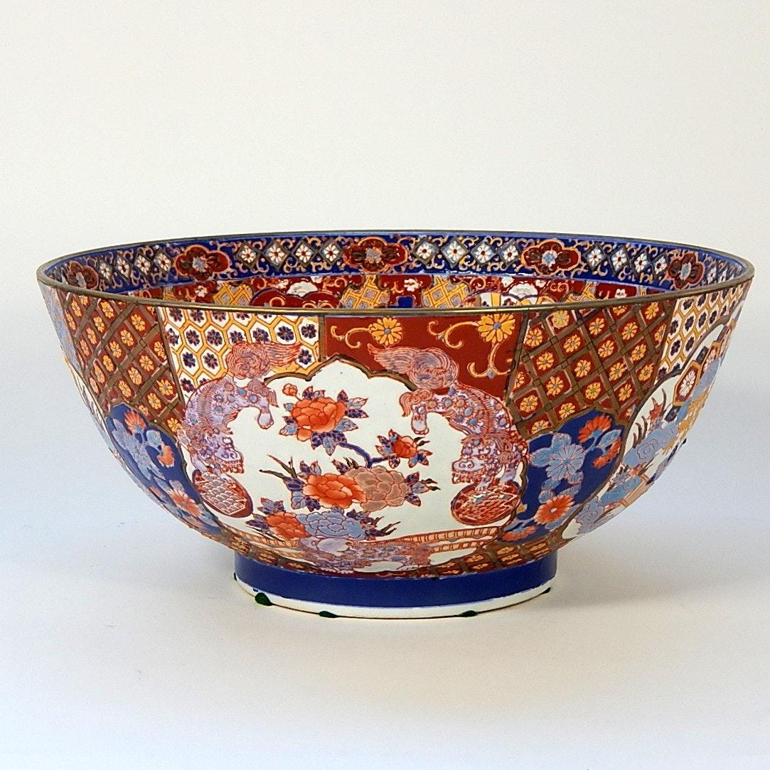 Large Imari Style Bowl