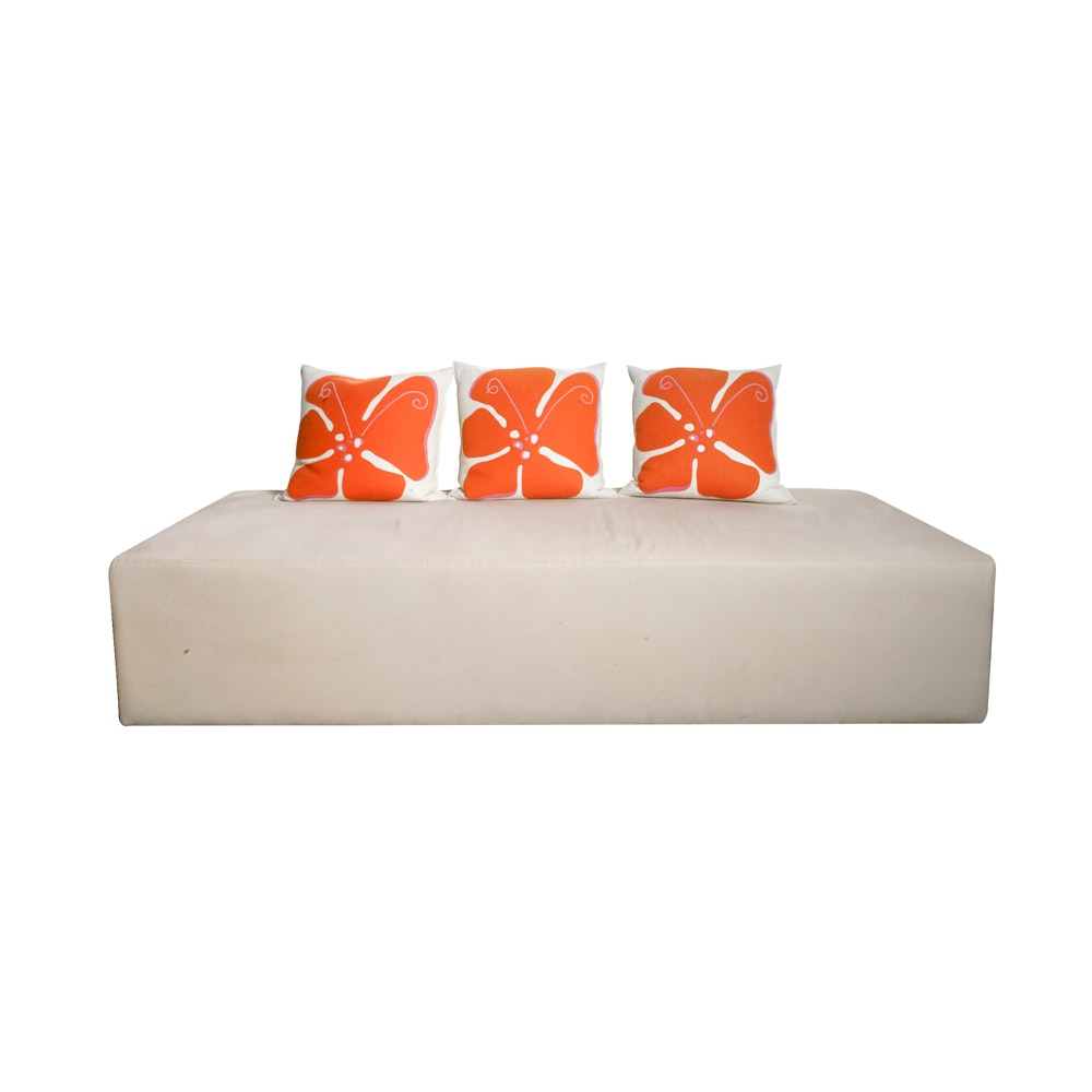 Modern Upholstered Bench with Accent Pillows