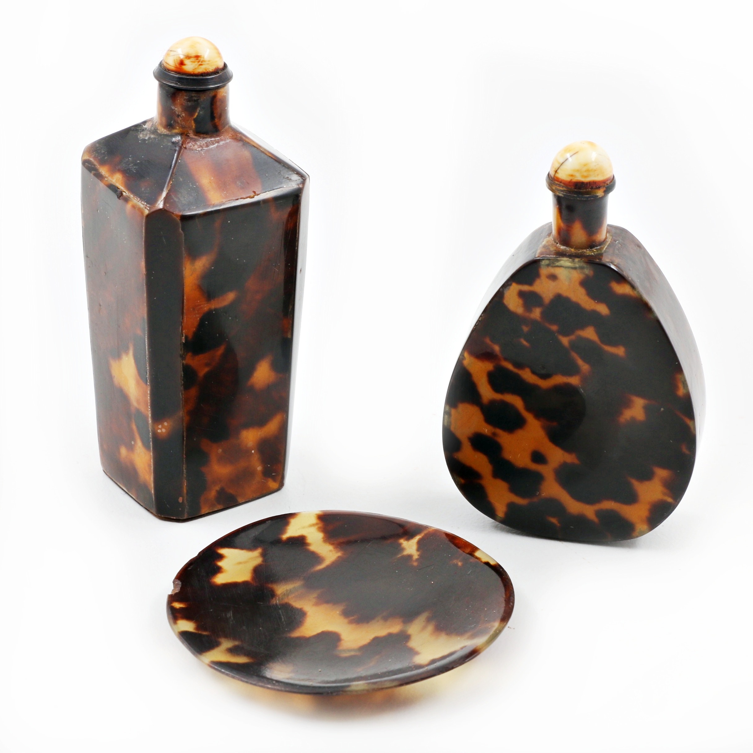 Collection of Tortoiseshell Snuff Bottles and Matching Dish