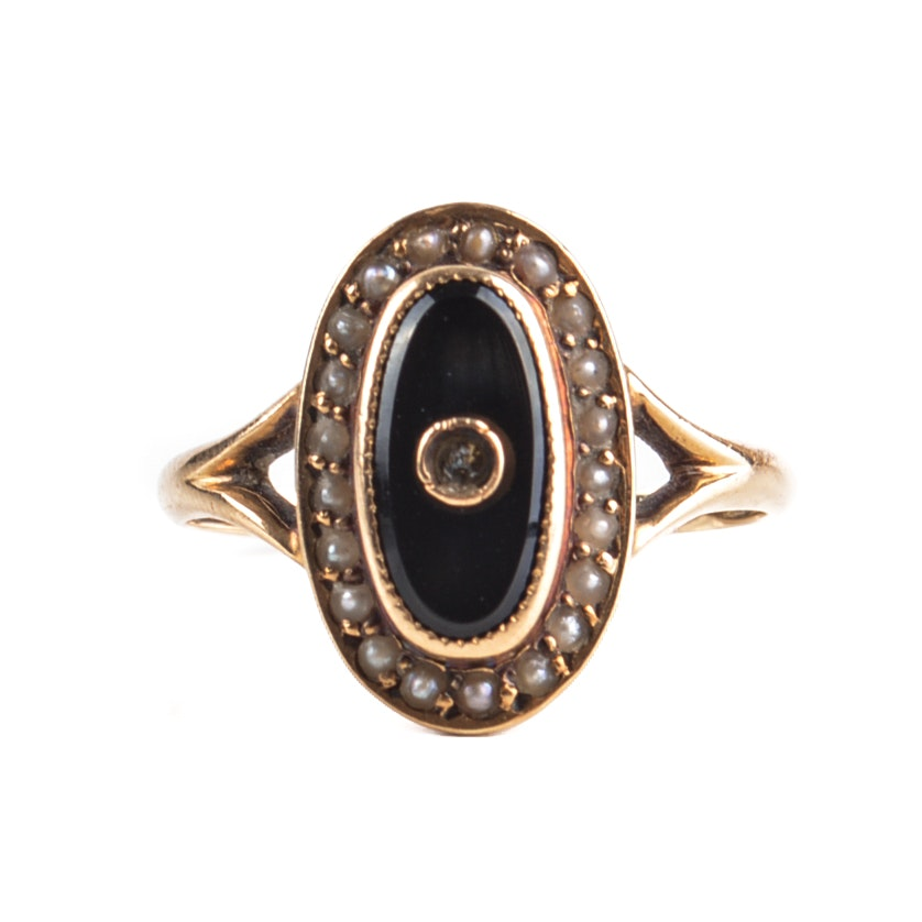 Vintage 14K Yellow Gold Black Onyx and Seed Pearl Ring