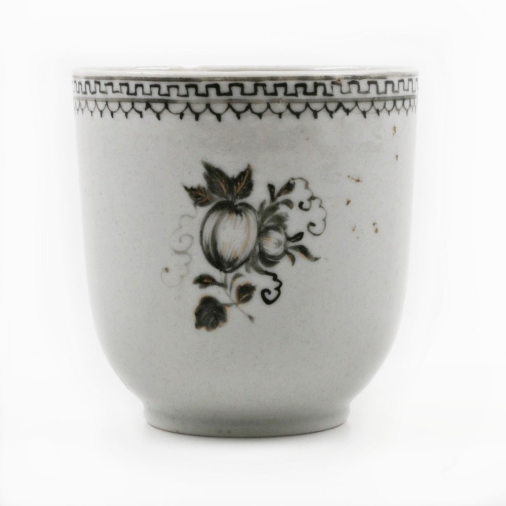 Mid-Qing Dynasty Chinese Porcelain Cup