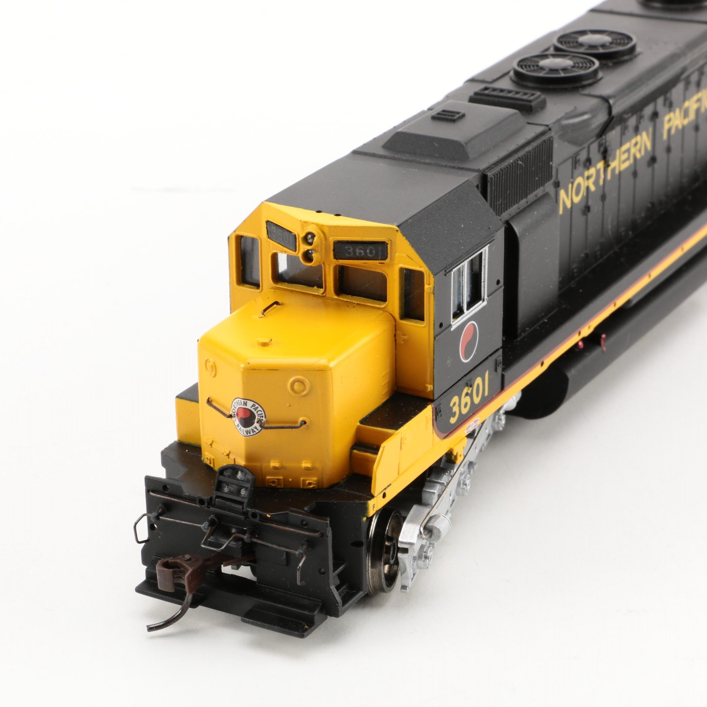 spectrum bachmann ho scale northern pacific diesel engine ebth. Black Bedroom Furniture Sets. Home Design Ideas