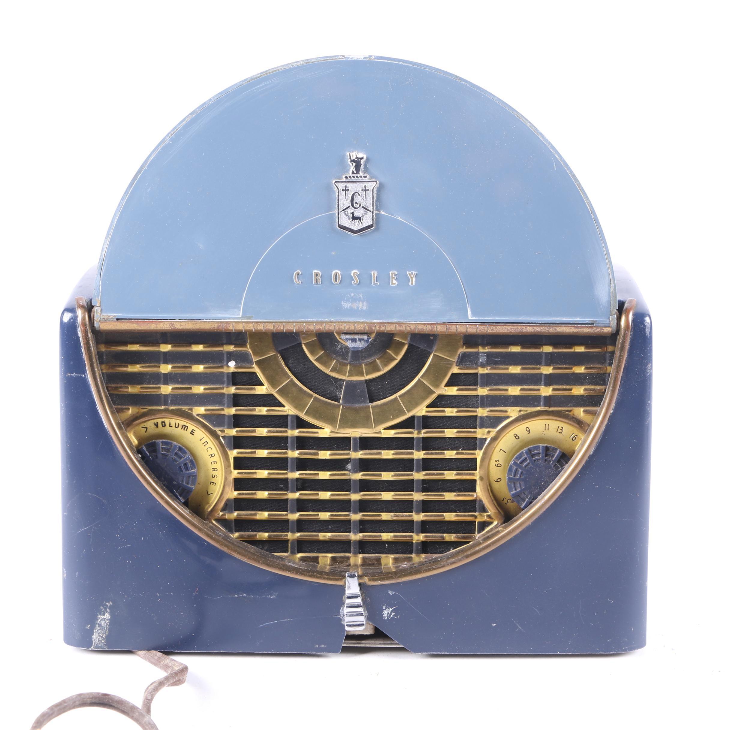 """Vintage Crosley """"Riviera"""" Portable Radio"""