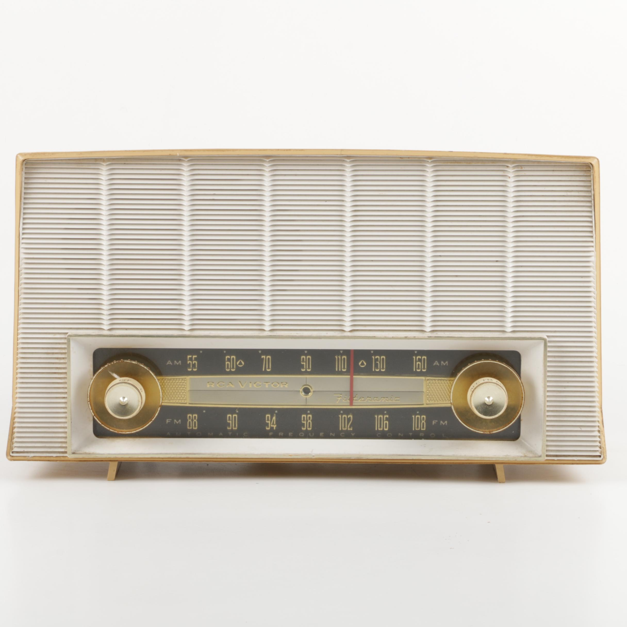 "RCA Victor ""Filteramic"" Tube Radio"