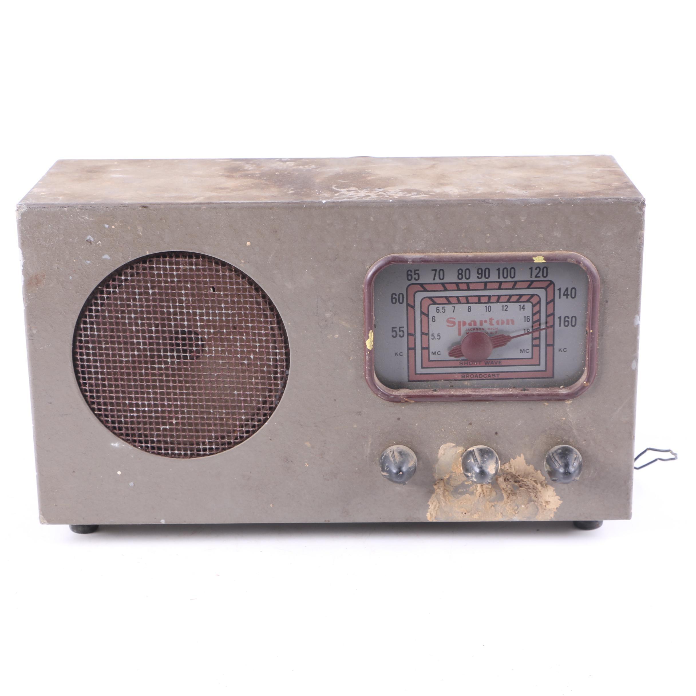 Vintage Sparton Short Wave Broadcast Radio