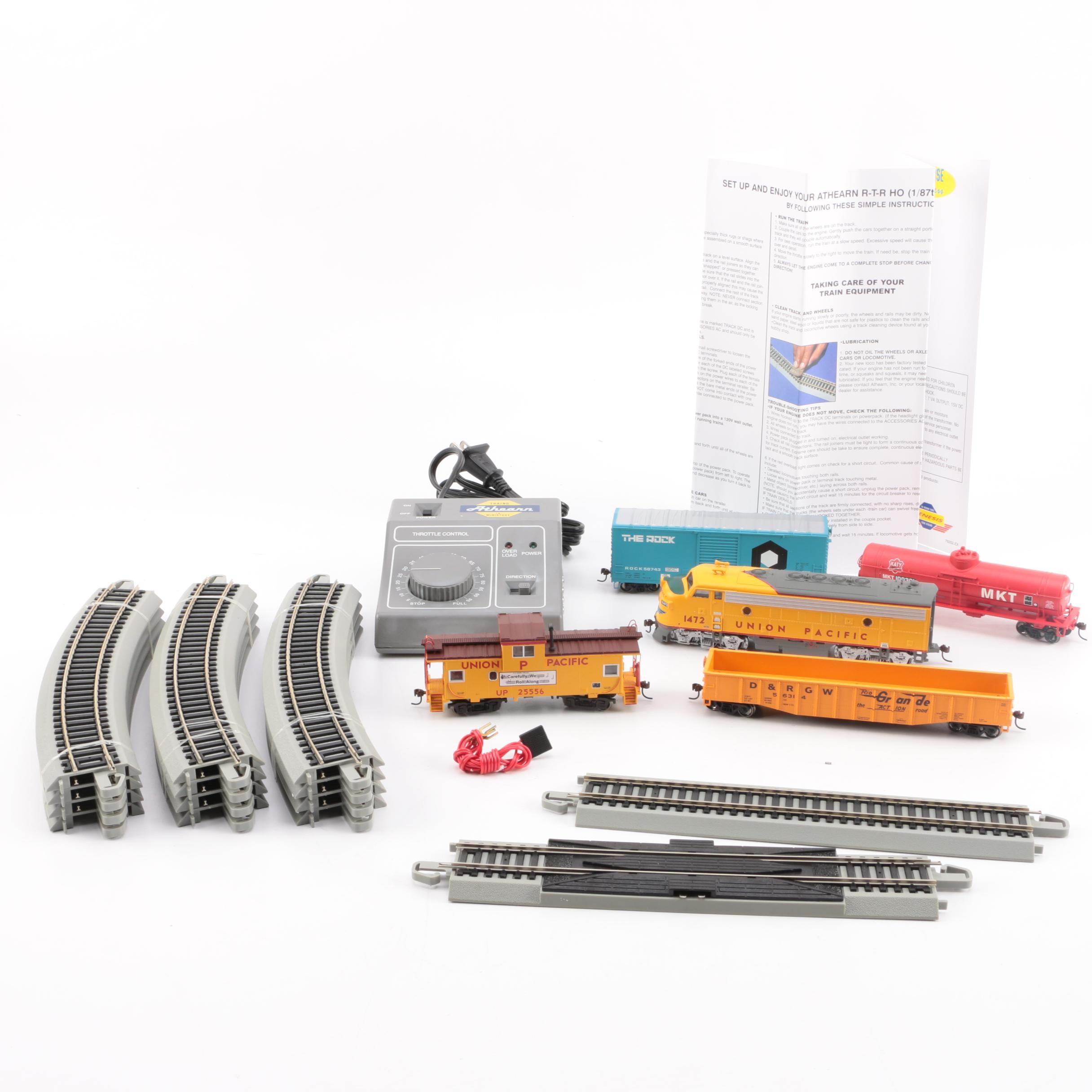 "Athearn ""Union Pacific Warbonnet"" Train Set"