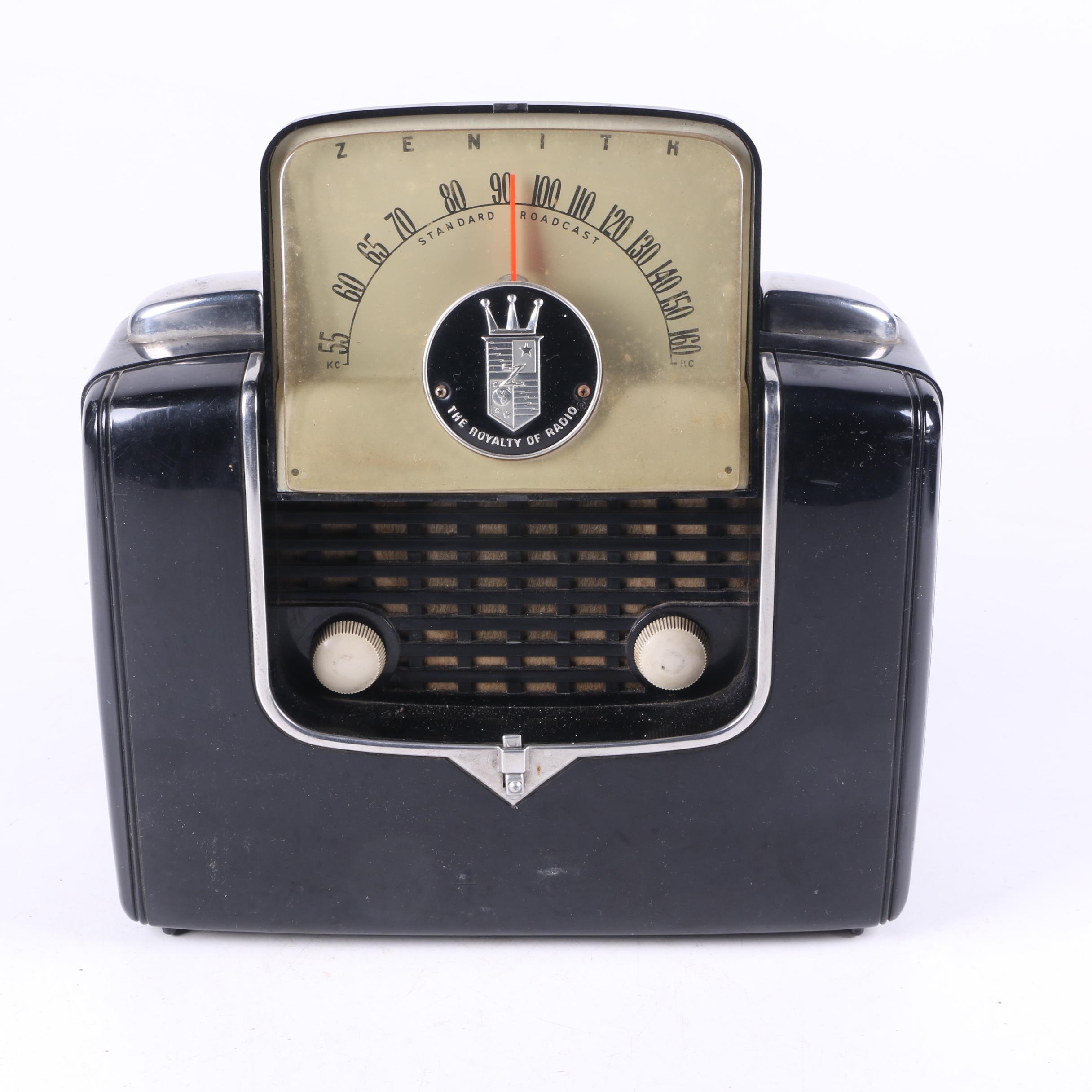 Vintage Zenith Portable Radio