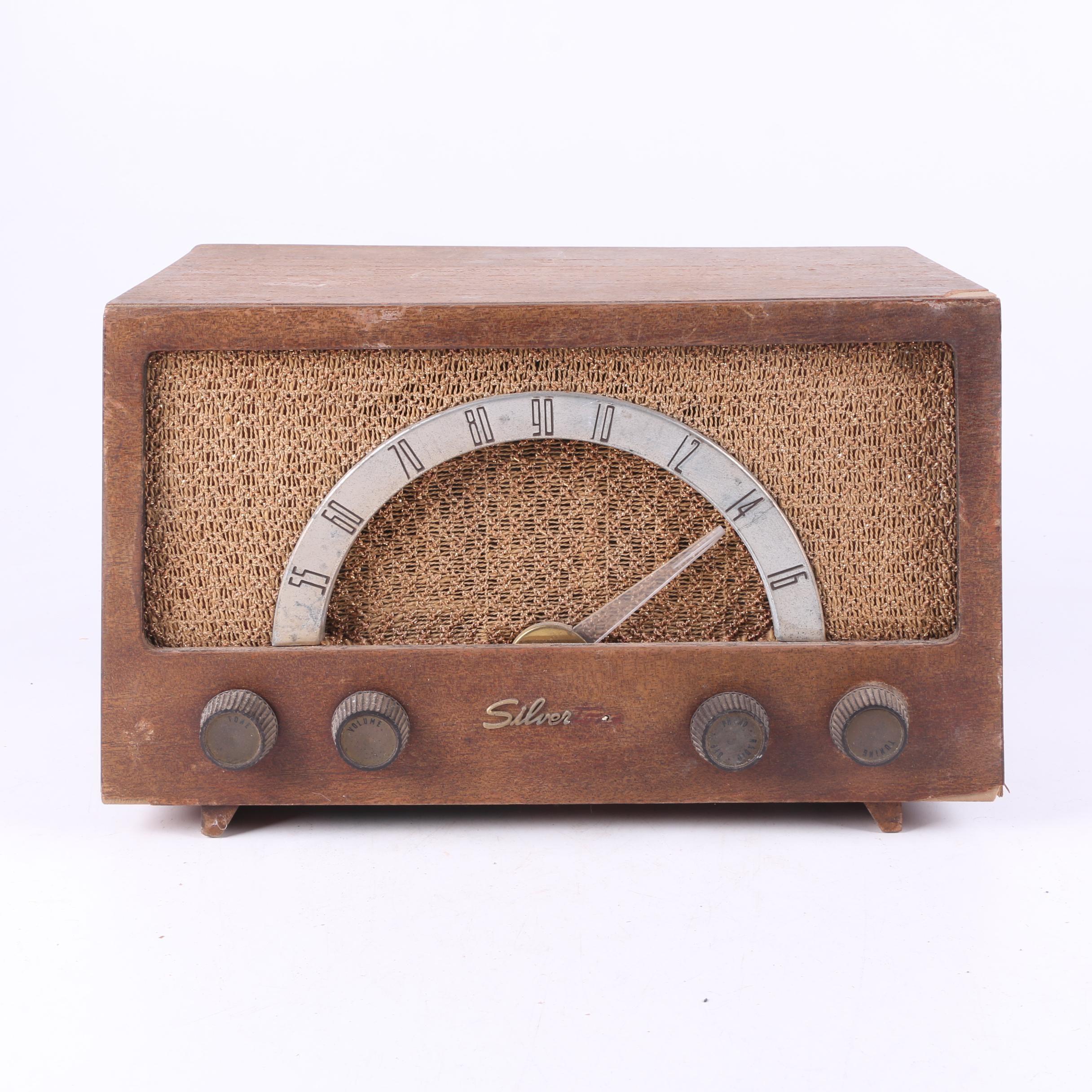 Vintage Silvertone 1017 Radio