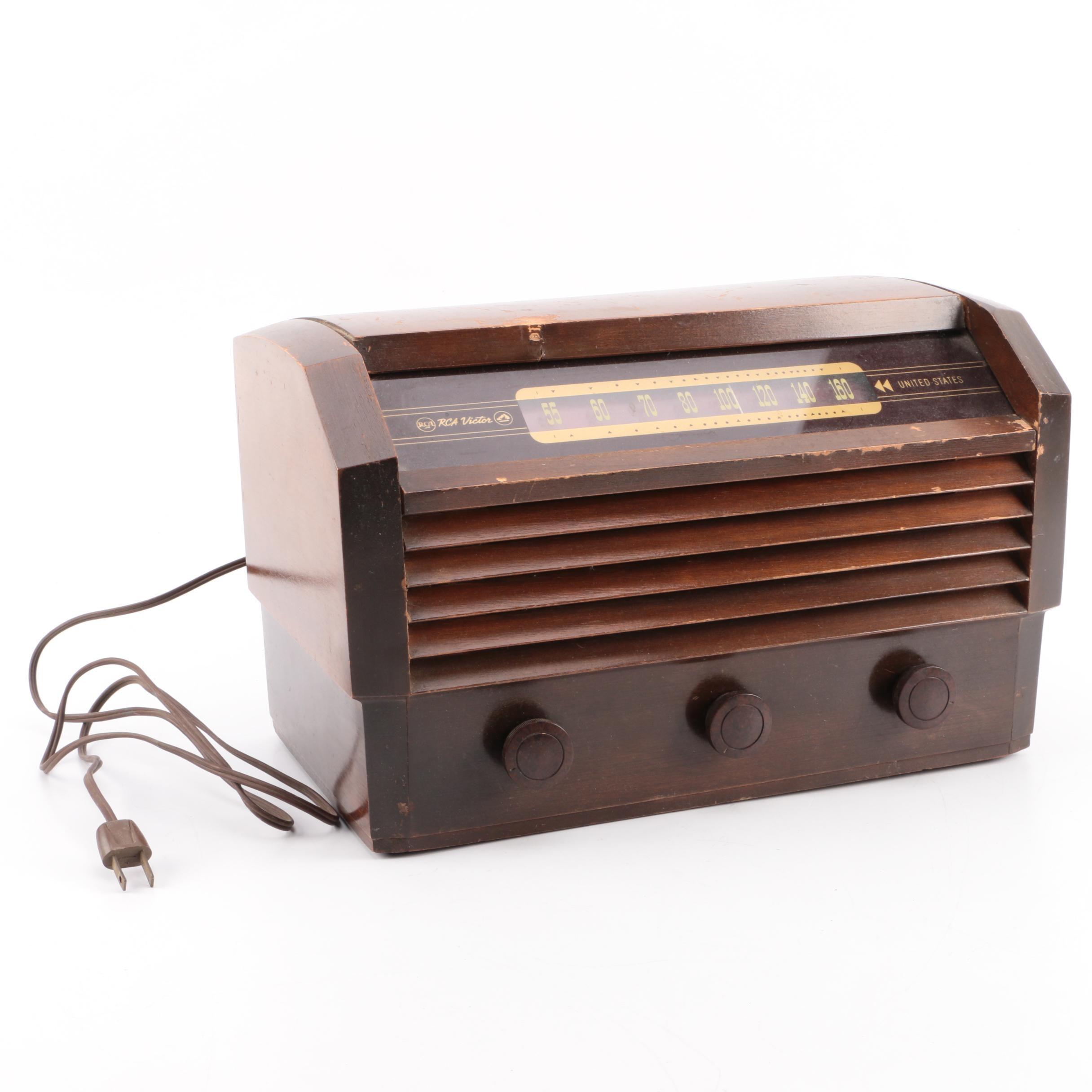 Vintage RCA Victor Tube Radio