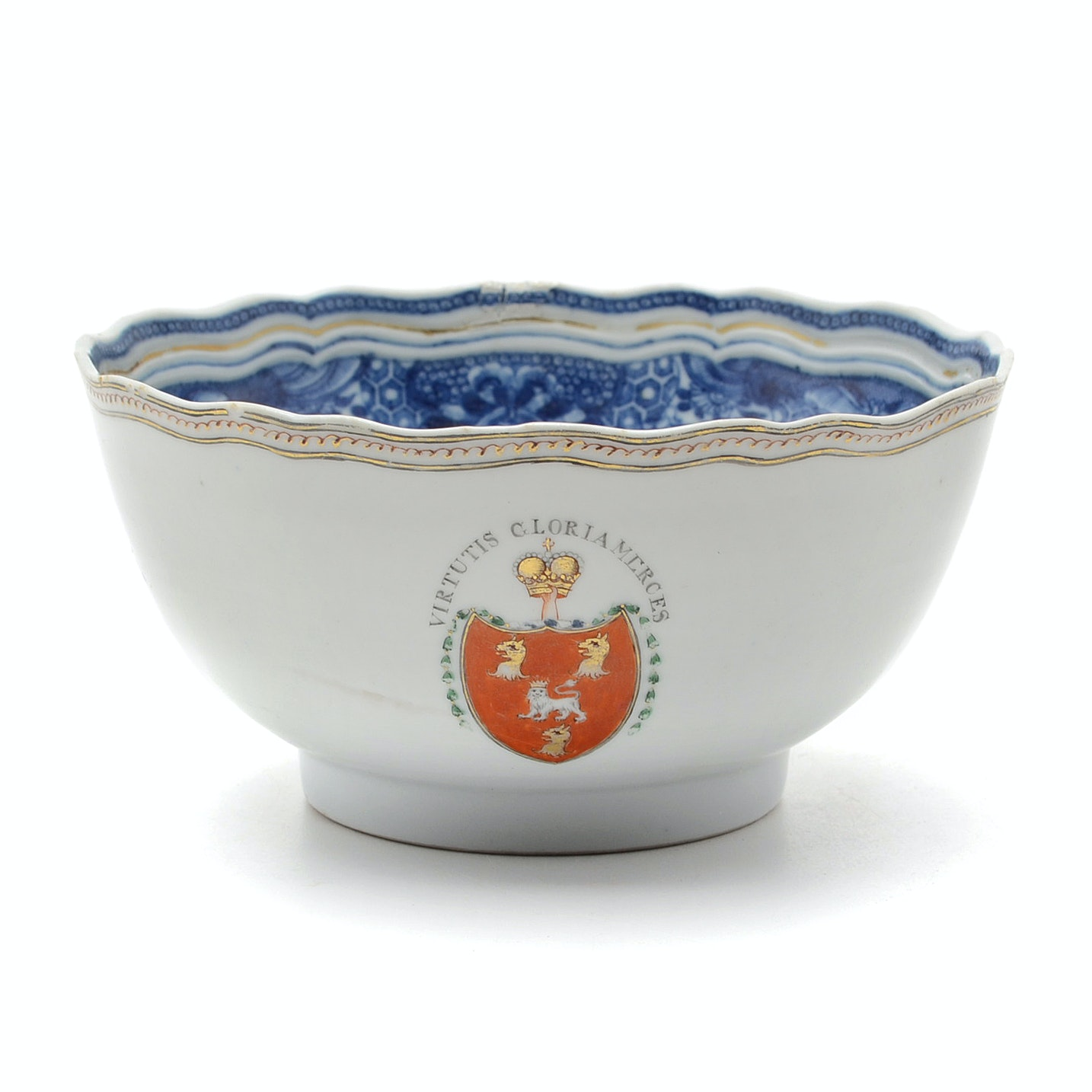 18th Century Chinese Qing Dynasty Export Bowl with Robertson Family Crest