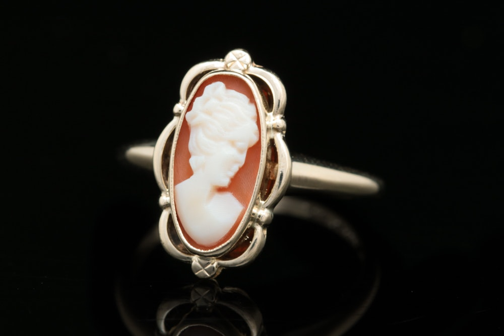 Vintage 10K Yellow Gold Cameo Ring