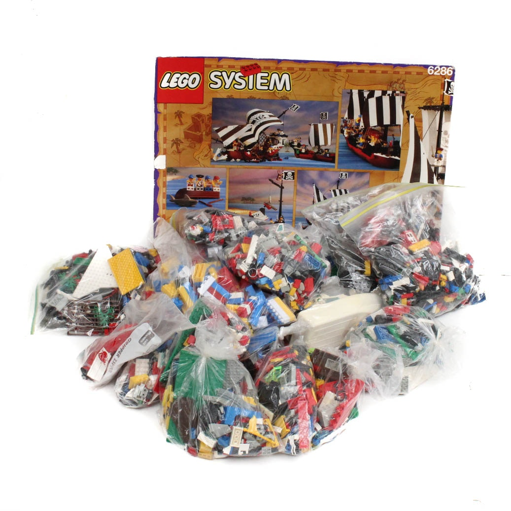 Large Assortment of Lego Pieces