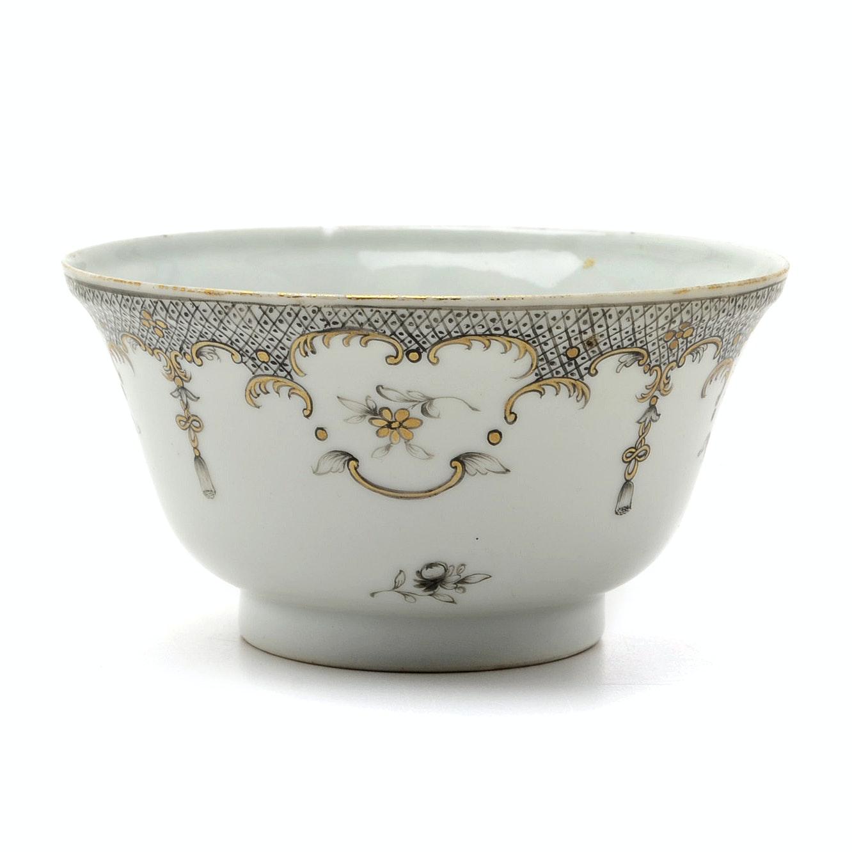 Qing Dynasty Export Porcelain Bowl