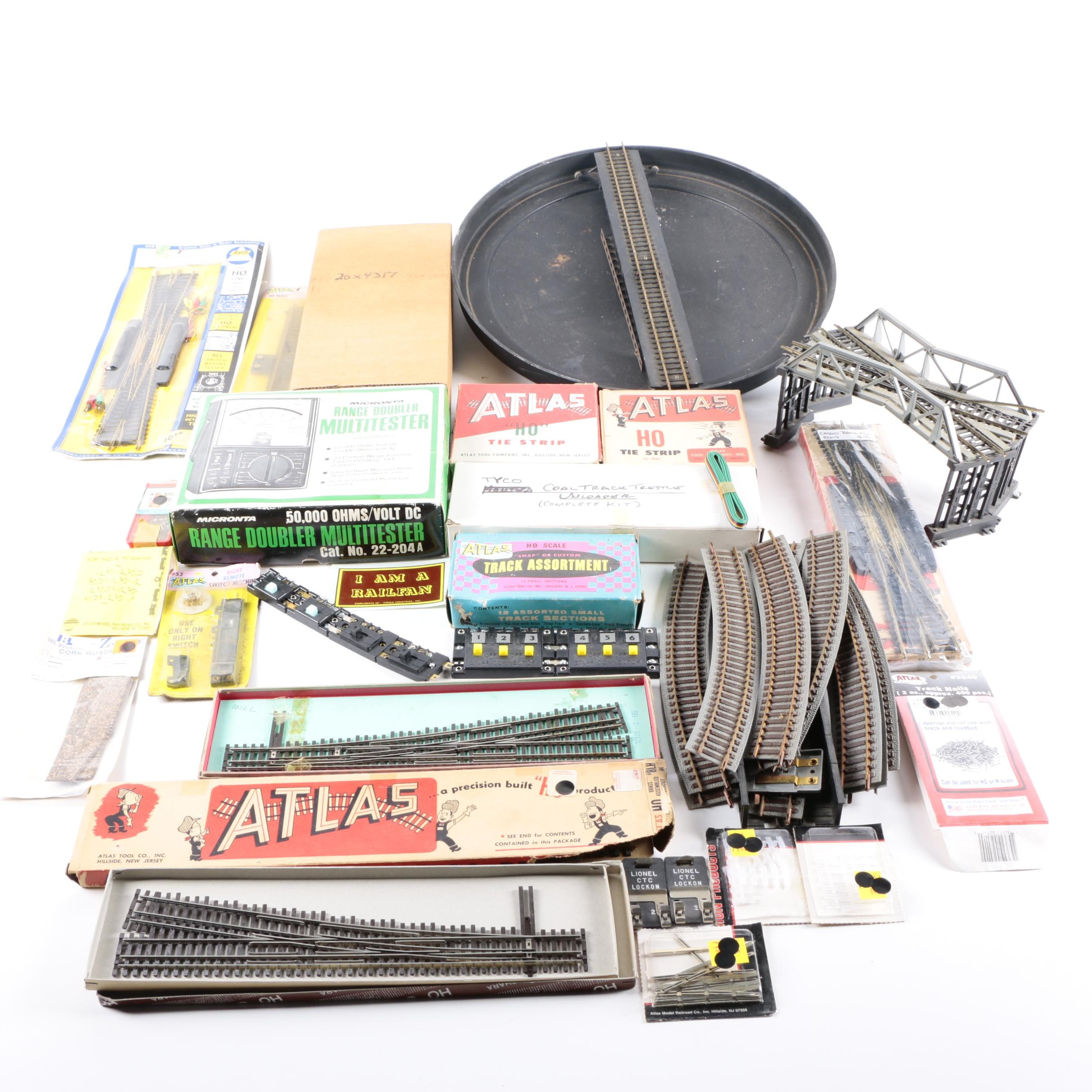 HO Scale Railway Turntable, Switch Track, Multitester and Accessories