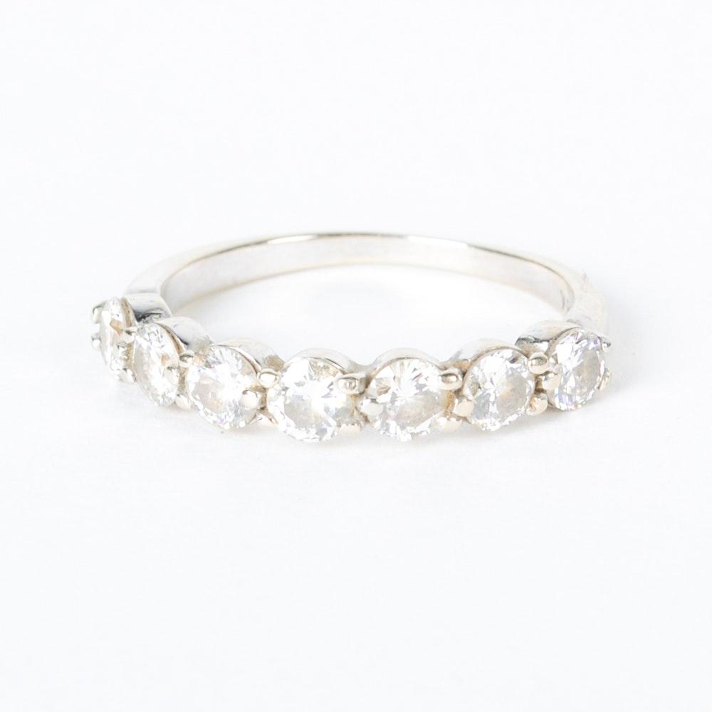 Contemporary 18K White Gold Diamond Ring
