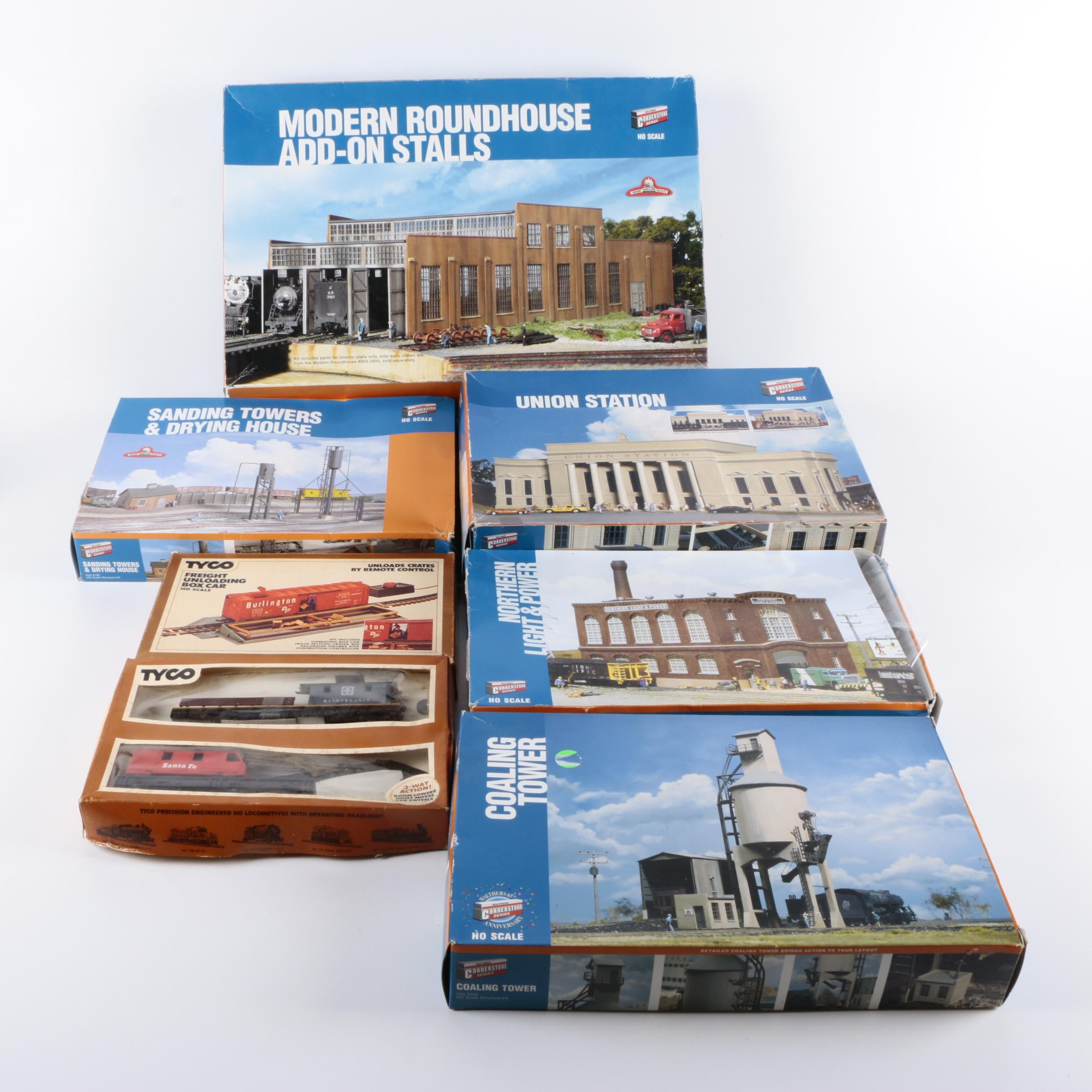 """Walthers """"Cornerstone Series"""" Models and Tyco Train Cars"""