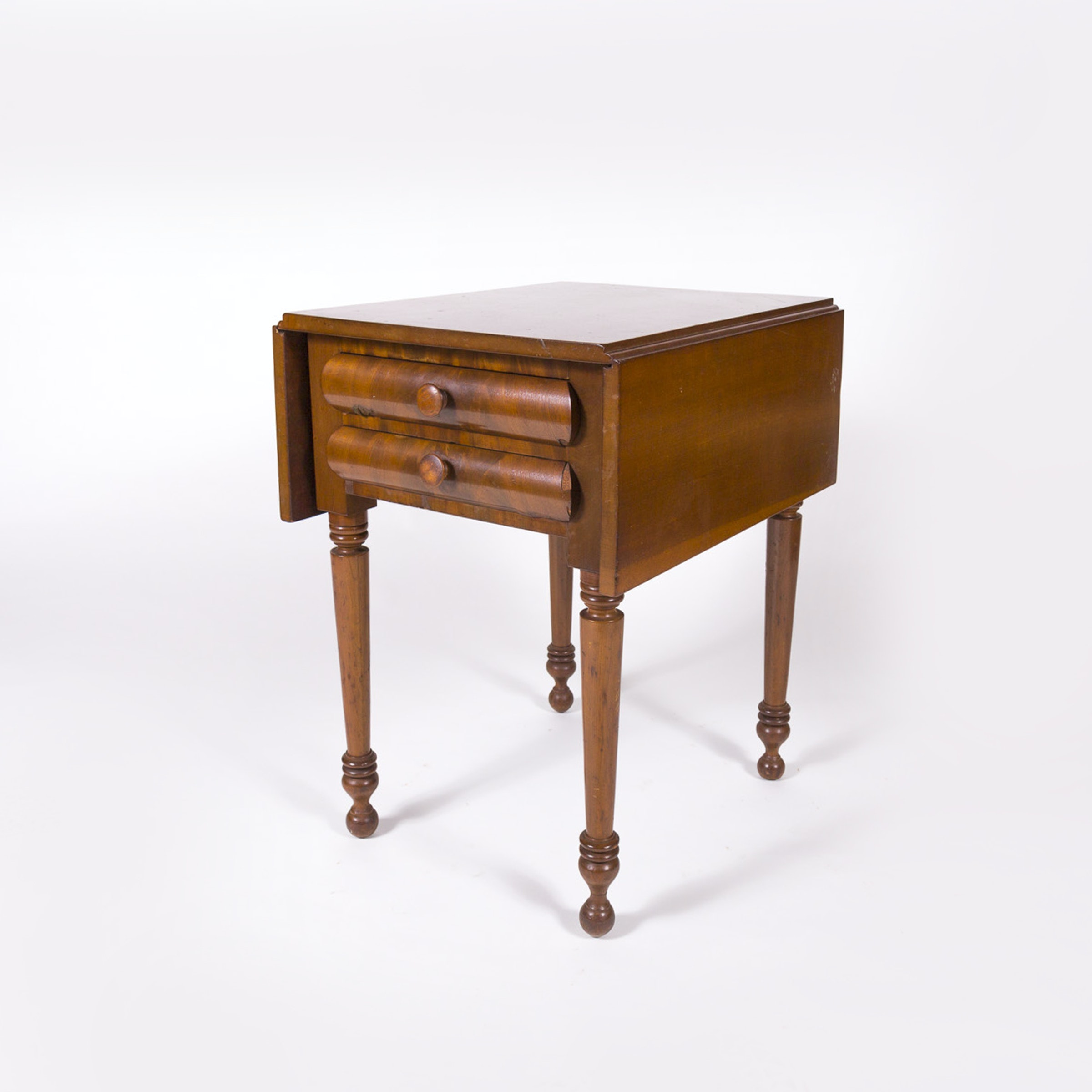 Antique Early American Cherry And Mahogany Drop Leaf Table