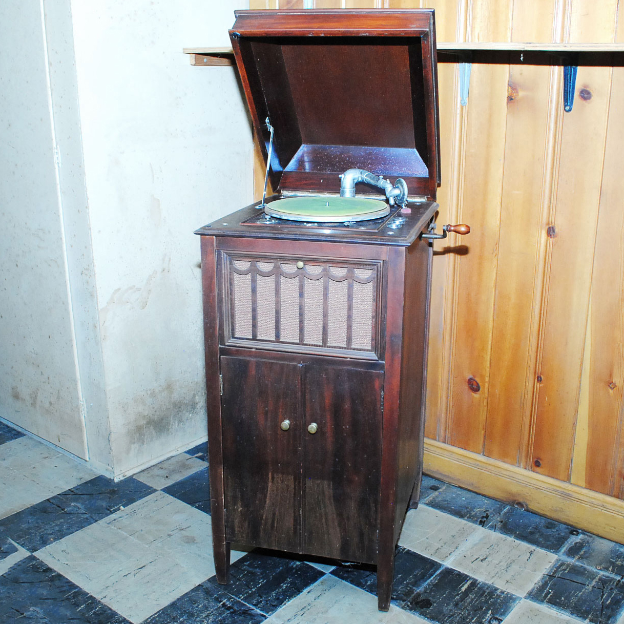 antique record player cabinet Vintage Record Player Cabi: EBTH antique record player cabinet