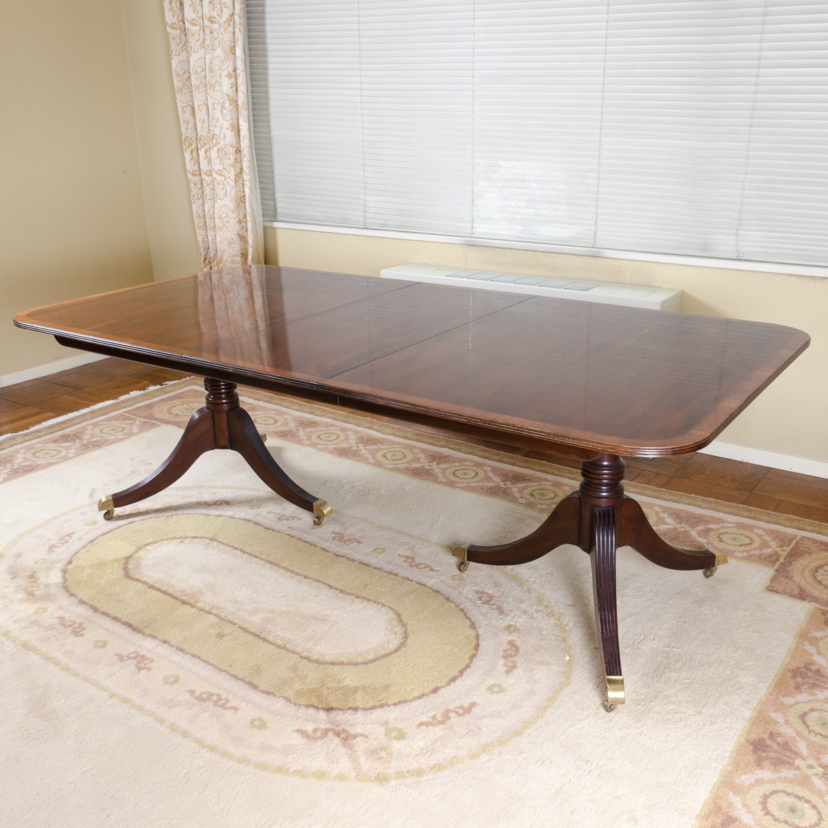 Vintage Duncan Phyfe Style Mahogany Dining Table