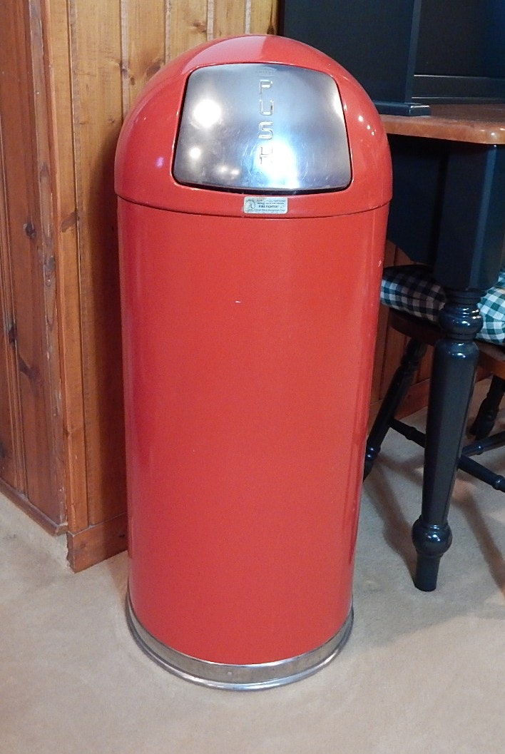 Red Metal Retro Trash Can