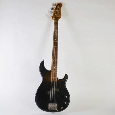 Yamaha SB 500 Electric Guitar