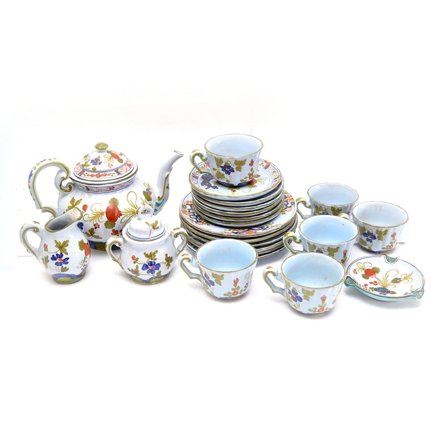 Hand-Painted Italian Pottery Tableware and Serving Pieces