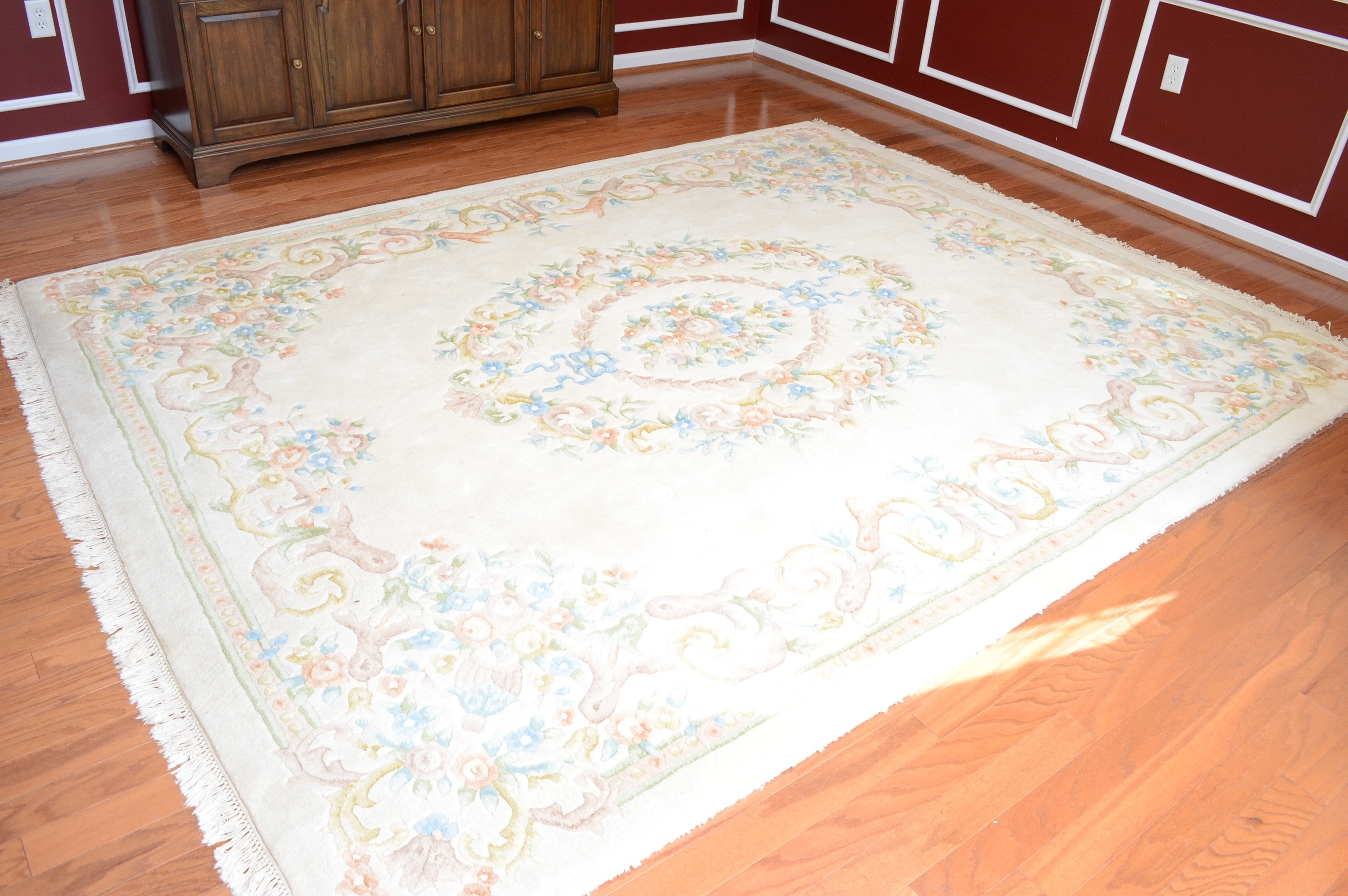 Rug Gallery Hand-Knotted and Carved Indian Wool Area Rug