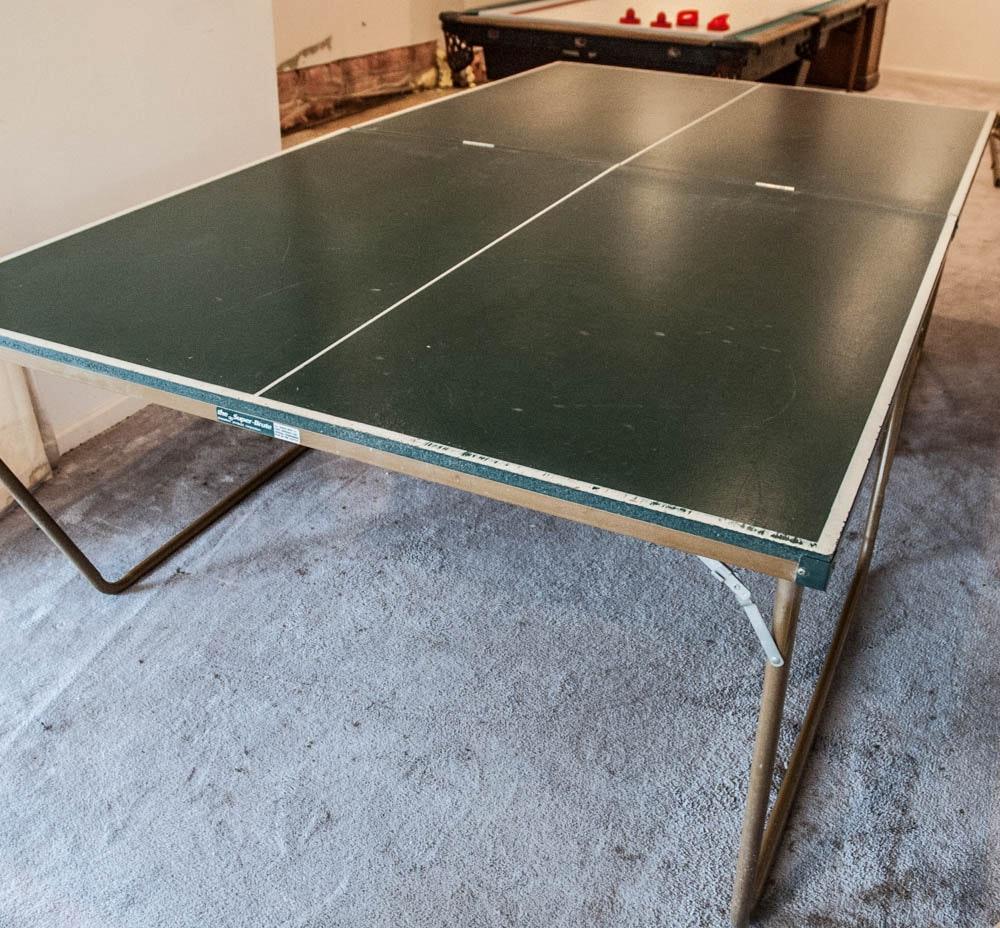 Ping Pong Ball Table