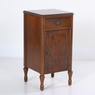 Sheraton Style End Table. Online Furniture Auctions   Vintage Furniture Auction   Antique
