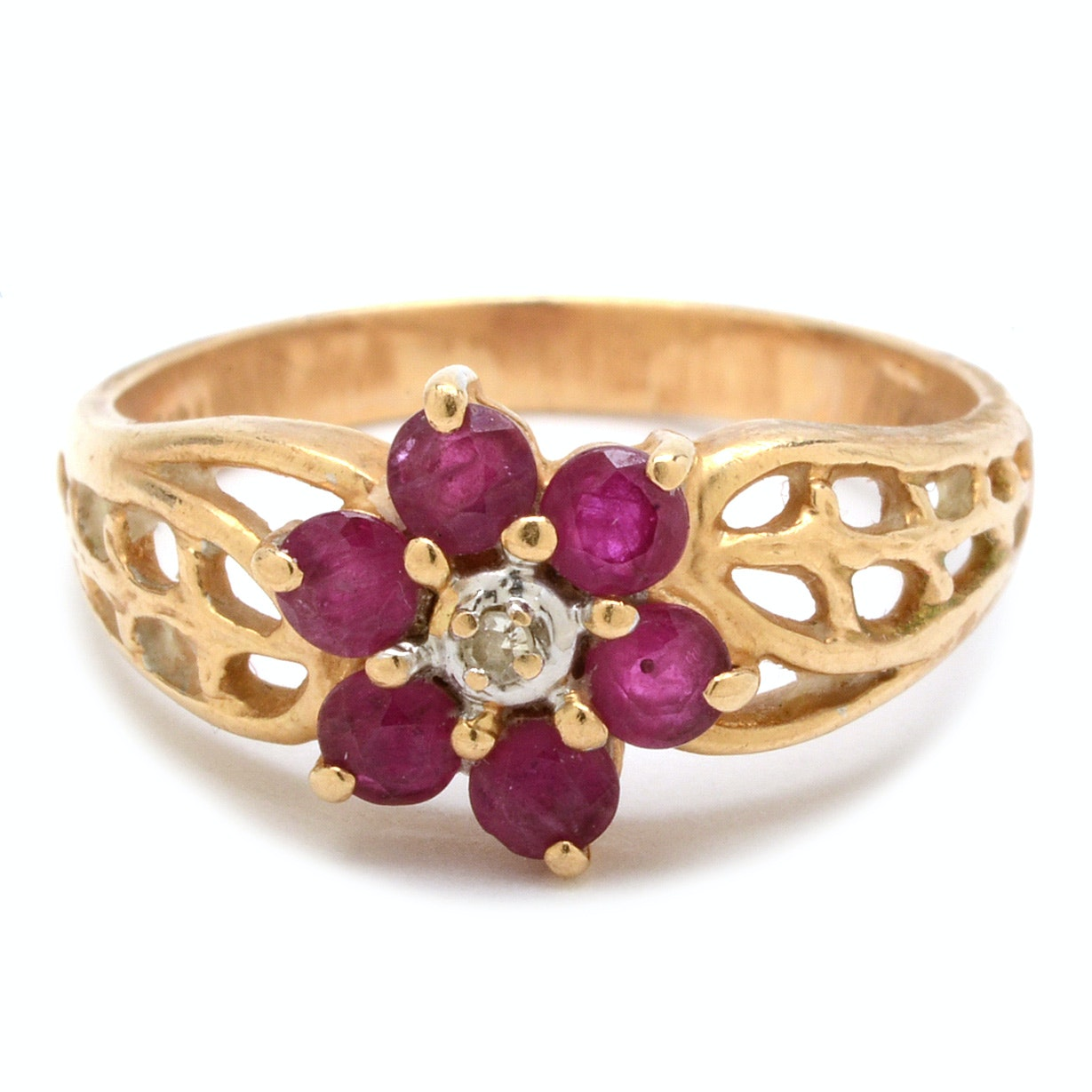 14K Yellow Gold Ruby and Diamond Floral Filigree Ring