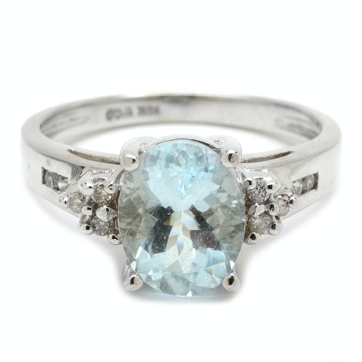 14K White Gold 2.01 Carat Aquamarine and Diamond Ring