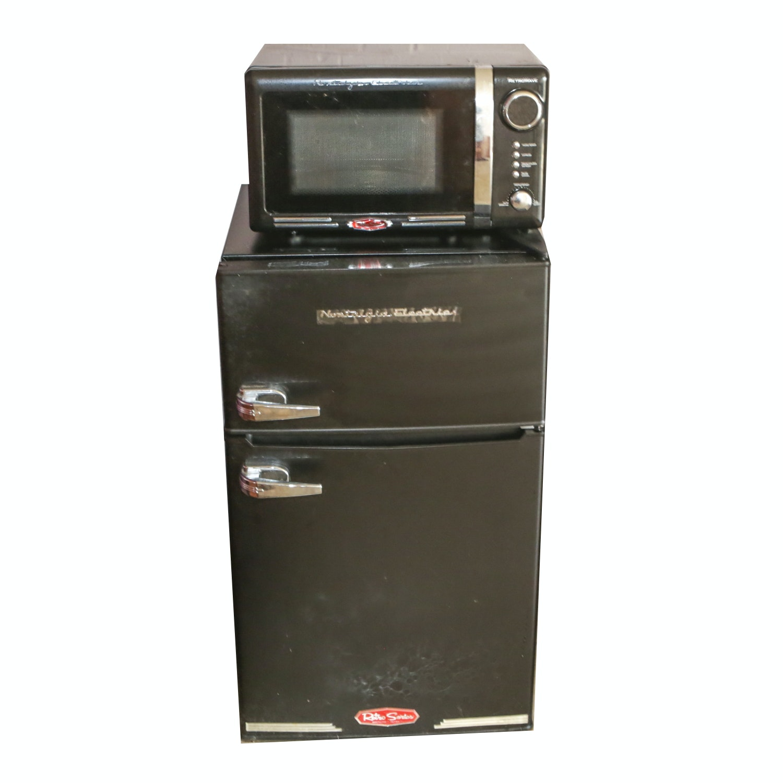 Nostalgia Electric Retro Series Microwave and Mini Refrigerator