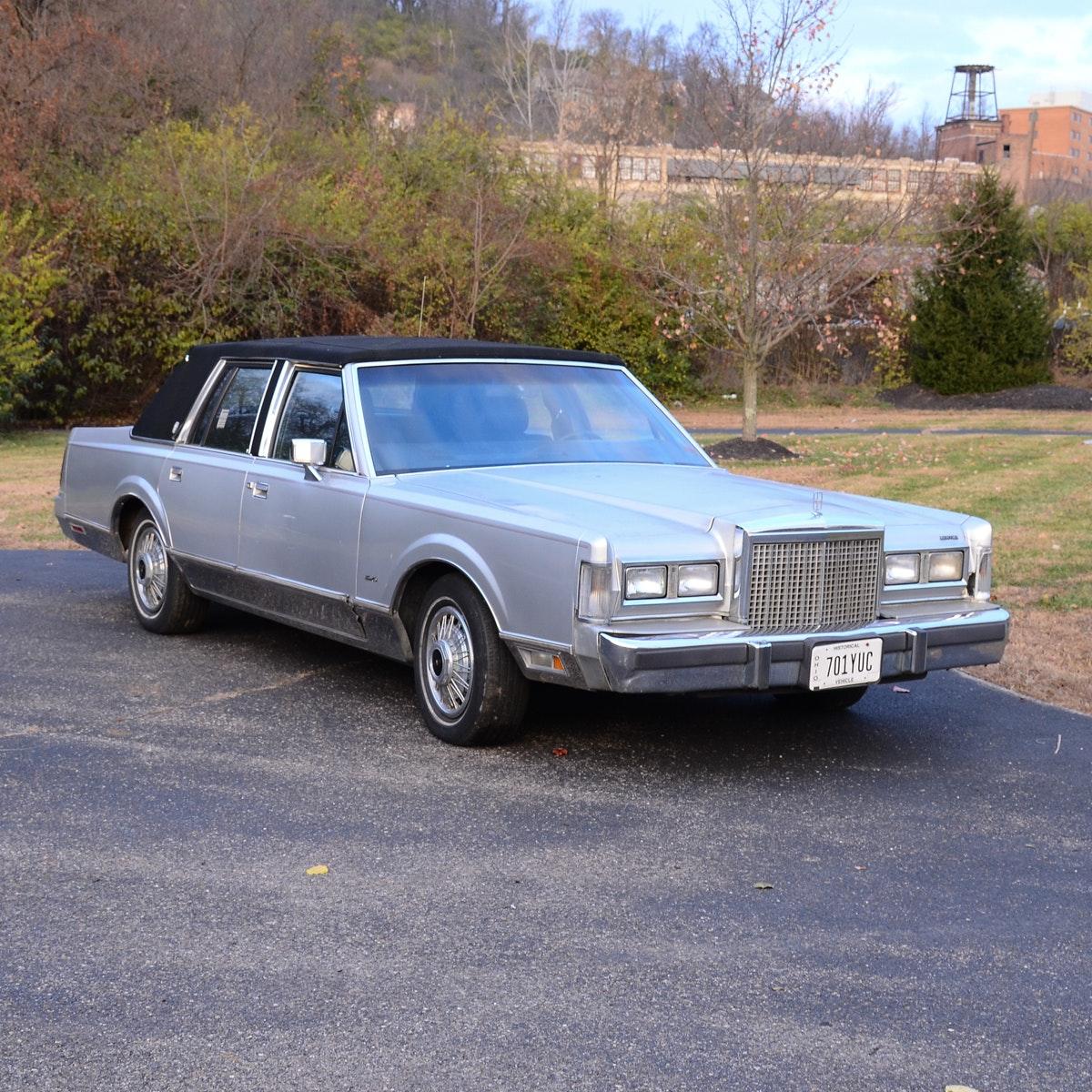 1987 Silver Lincoln Town Car