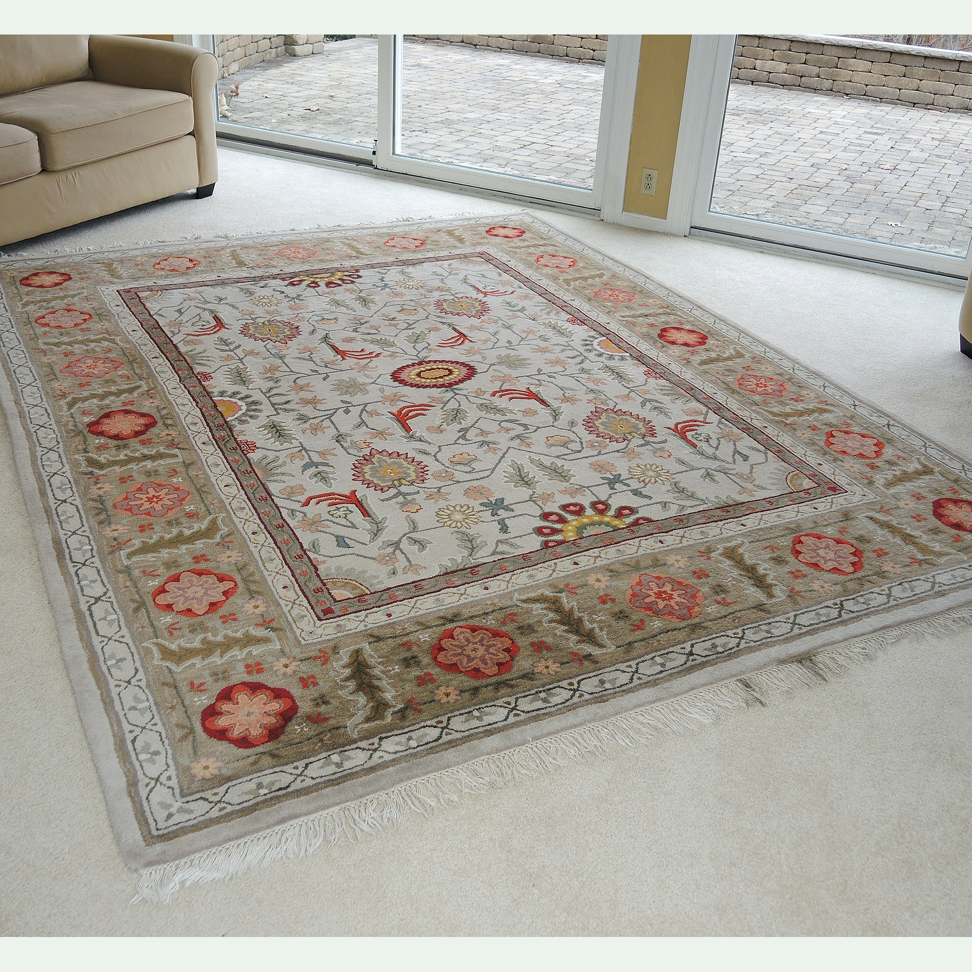 Hand-Tufted Indian Wool Area Rug
