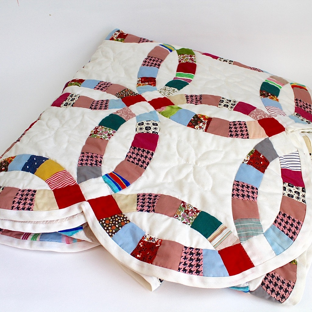 Contemporary Double Wedding Ring Quilt