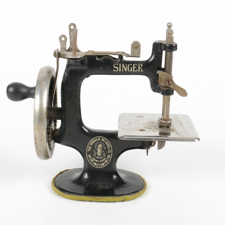 Antique Miniature Singer Sewing Machine EBTH Magnificent Miniature Singer Sewing Machine
